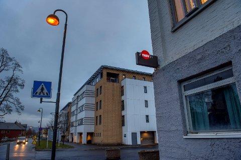 HENSYNSLØS: Da Gjøvik-mannen ikke fikk penger på Nav-kontoret, tok han seg inn i en tilfeldig leilighet i nærheten og ranet beboeren. Foto: Brynjar Eidstuen