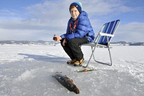 SPENNING: Jonas Larsen vil nok prøve fisken også i mars.