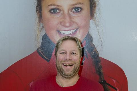 Ingvild-feber: Det er Ingvild-feber på Madhus skifabrikk på Biri. Erland Ramstad er en av dem som er stolt av å kjenne Ingvild. Foto: Henning Gulbrandsen