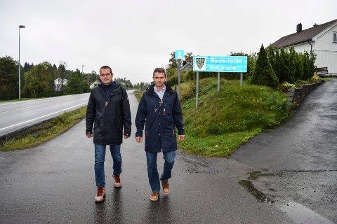 Trond Nygård (t.v.) og Tomm Døsen leder an blant aksjonistene som ønsker Nordlia ut av Østre Toten og inn i Gjøvik.