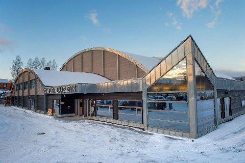 Campus Arena Gjøvik er en flott hall å drive med idrett i, men den har vært en utfordrende hall for Gjøvik kommune å få ferdig.