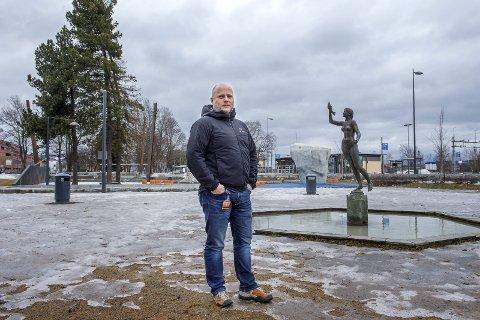 FINNES MULIGHETER: Plansjef Lars Engelien ser flere muligheter til store etableringer i Gjøvik sentrum.