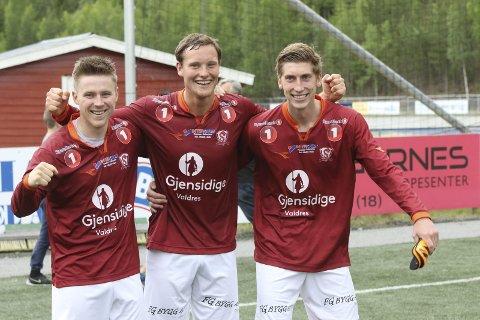 Smilte bredt: Fra venstre Simen Høglien. Øyvind Lund og Sondre Lunde etter storseieren mot Kongsvinger 2.