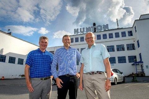 Jubel over at Hunton blir i Gjøvik, Magnus Mathiesen, Bjørn Iddberg og Per Rognerud.
