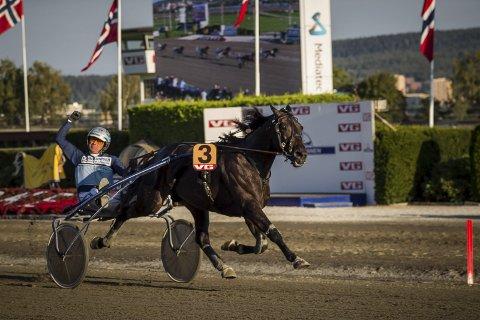 Innfridde: El Diablo B.R. innfridde som favoritt. Han vant Derby sammen med Frode Hamre.
