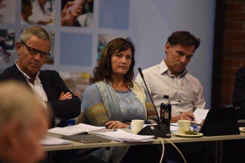 OGSÅ BEKRYMRET: Marianne Nielsen i SI-styret er glad for at mjøssykehuset landes, men frykter bykamp om et sykehus nummer to.