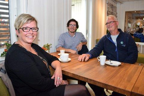 Østre Toten Venstre går i front for å fjerne eiendomsskatten på næringsvirksomhet fra og med 2018. F.v. varaordfører Lene Melbye, kommunestyrerepresentant Sigurd Dyste og vararepresentant til kommunestyret, Dag Løken.