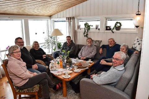 Aksjonsgruppa for Nordlia i Østre Toten sitter ved bordet når Fylkesmannen skal veilede om prosessen i kommunegrensesaken.