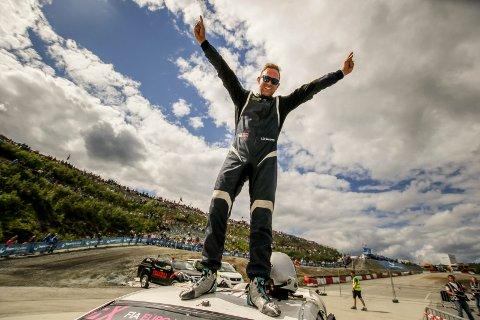 VANT: Lars Øivind Enerberg fra Lena vant sin klasse i rallycross på Lånkebanen i helga.