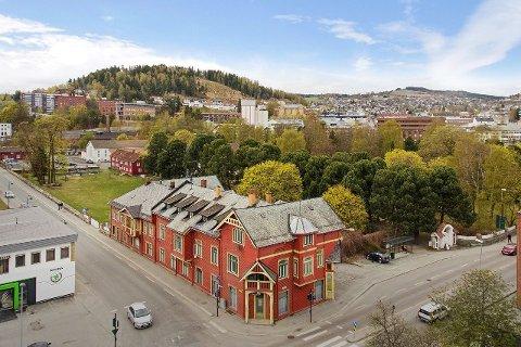 SOLGT: Mange så potensial i å utvikle Sandsgården i Gjøvik, som ble solgt etter få dager.
