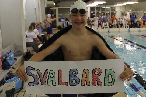 LANGVEISFARENDE: Trym Eide Aunevik kom helt fra Svalbard for å svømme på Gjøvik.