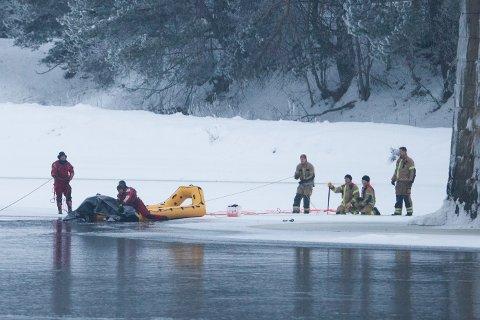 Politiet gjorde funn da de søkte etter savnede Janne Jemtland i Glomma i Våler lørdag. Foto: Fredrik Hagen / NTB scanpix