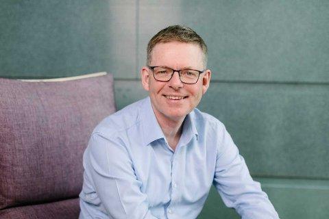 SYSSELSETTING: Direktør i NHO Innlandet, Jon Kristiansen, ser det som viktig at en større andel nordmenn i yrkesaktiv alder kommer ut i arbeidslivet. Foto: NHO