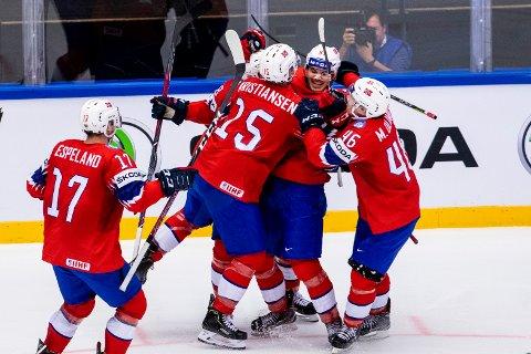 DIREKTE: Du kan se alle Norges kamper i firenasjonersturneringen på OA-TV. Her jubler Thomas Valkve Olsen etter å ha scoret mot Tyskland under ishockey-VM i Herning i Danmark.