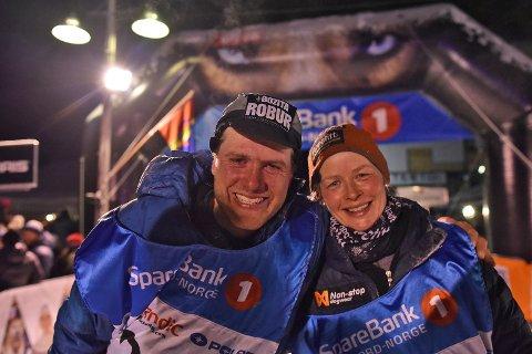 Petter Karlsson og Birgitte Næss rett etter målgang i Alta.