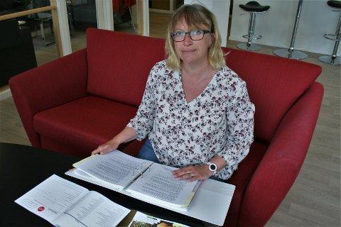 GIR RÅD: LOs ungdomssekretær i Oppland, Linda Kristin Rye, er opptatt av at unge arbeidstakere skal være klar over egne rettigheter, og hvor de kan henvende seg for å få hjelp.