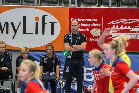 IMPONERT: Trener for juniorlandslaget, Geir Oustorp, er imponert over jobben Guro Nestaker har lagt ned.