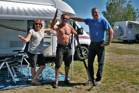 CAMPINGFRELSTE: Tone og Ole Jan Skimten, som bor i Oslo til daglig, er blant de mange bobilgjestene som alt har besøkt Trond Haugen på Hekshusstranda camping i år.