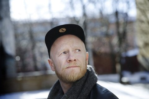 Lewi Bergrud spiller på Kulturkafè på PULS-Ditt værested torsdag 17.oktober.