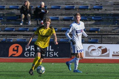 HÅPER PÅ KORTREIST: Både Gard Simenstad (t.v) og Stian Akernes hos henholdsvis Raufoss 2 og FK Gjøvik-Lyn ønsker nok å slippe mange turer til Trøndelag neste sesong.