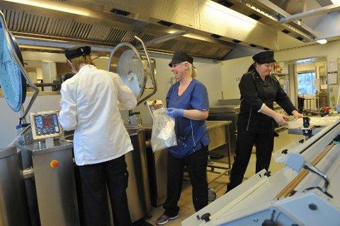 FOR GAMMELT: Storkjøkken- og vaskeridriften foregår i dag i utrangerte lokaler på Gimle.