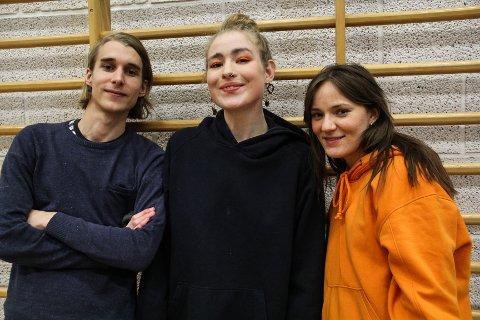 SKAL FLYTE: Fieh med Andreas Rukan fra Kolbu, Sofie Tollefsbøl fra Eina, Solveig Wang fra Fall og fem til skal på Fjordflyt lørdag. Sistnevnte håper de holder seg flytende.