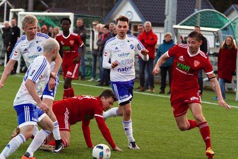KAN BLI ENDRINGER: 3. april avgjøres det om 4. divisjon fra 2020 skal gjøres om til èn avdeling. Her fra en kamp i fjor mellom Redalen og FK Toten.