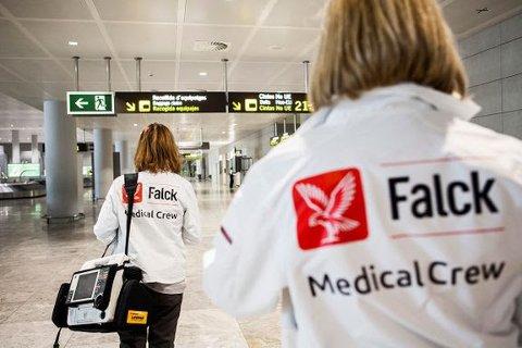 Hjemreiser med ambulansefly økte med 60% første halvår i fjor hos alarmsentralen som hjelper reisende for flere norske forsikringsselskap, Falck Global Assistance.
