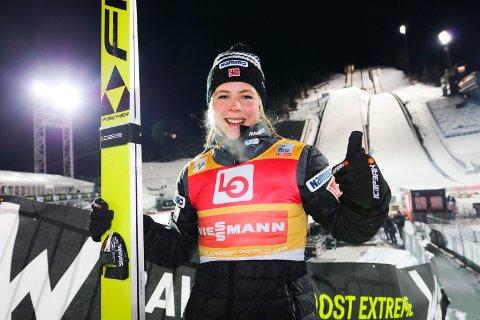 Maren Lundby og de andre kvinnehopperne skal tjene mer penger kommende sesong, har FIS bestemt.