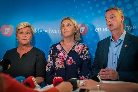 Siv Jensen, Sylvi Listhaug og Terje Søviknes etter det ekstraordinært landsstyremøte i Frp der status om de pågående forhandlingene om bompenger og regjeringsdeltakelse er på agendaen.