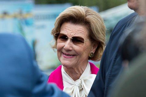 TIL JEVNAKER: Dronning Sonja kommer til åpningen av The Twist på Kistefos.
