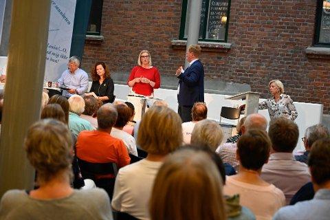 TEAMWORK AV EDELT MERKE: Aps ordførerkandidat Ingunn Trosholmen mener Gjøvik og Lillehammer har vist hva man kan få til gjennom et godt samarbeid med etableringen av Norges kompetansesenter for IT-sikkerhet.