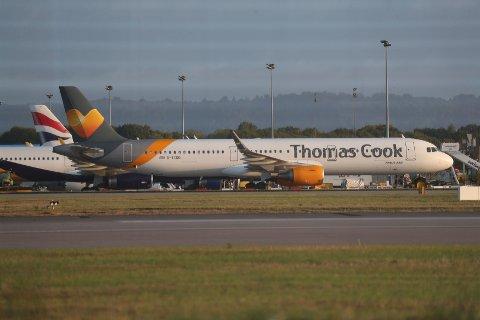 INNSTILT: All flytrafikk med Thomas Cook Airlines Scandinavia er innstilt. Ving opplyser at de jobber intensivt for at kunder skal få komme seg hjem raskt. Foto: Tim Goode, AP, NTB scanpix