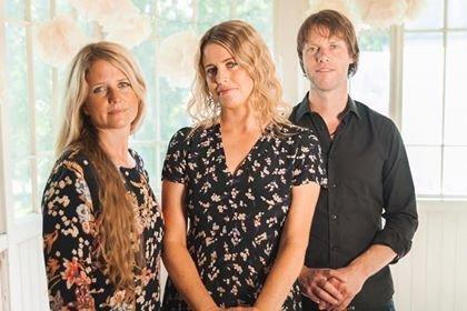 Kjersti Vildåsen, Nina Steen-Hansen og Per Strand er klare for Kulturkafè på PULS-Ditt værested torsdag 12. september kl.18.00.