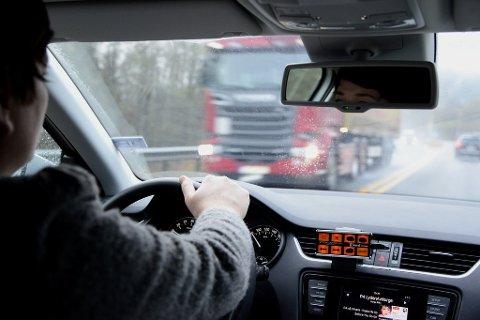 MED MUNNBIND: Oppkjøring vil den nærmeste tiden skje med munnbind på Gjøvik.