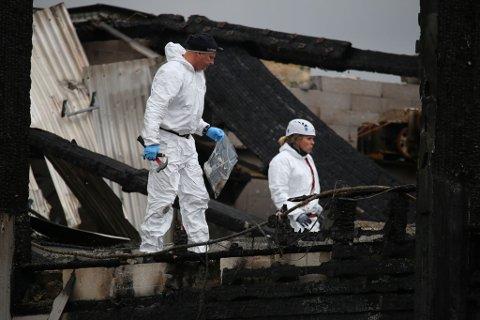 TO OMKOMNE: To Gjøvik-menn er funnet omkommet i ruinene etter storbrannen på Moelv onsdag.
