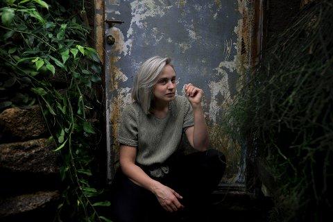 ÅPNER FESTEN: Kritikerroste Frida Ånnevik er første artist ut på Fredvikafestivalen 2020.