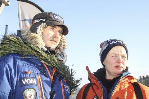 Robert Sørlie og Birgitte Næss etter målgang i Femundløpet mandag. Foto: Nils Bakke