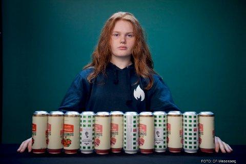 MINDREÅRIG: Sina Marlen Opseth Nyberg (15 år) var en av ungdommene som fikk kjøpe alkohol i norske butikker i 2019. I Innlandet fylke fikk mindreårige kjøpe alkohol i 20 prosent av tilfellene. Landssnittet ligger på 18,5 prosent.