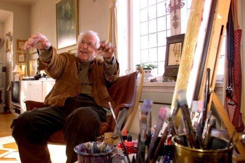 FOLKETS MANN: Kjell Aukrust (1920-2002) gledet nordmenn med sine historier og ideer i mange tiår. Her er han fotografer i 2000 - da han fylte 80 år.