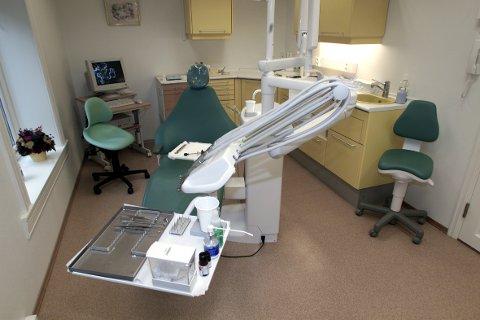 OSLO 20011023: Tannlegekontor. Interiør. Foto: Lise Åserud / SCANPIX