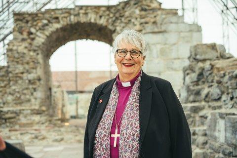 TILBOD: – Sjølv om det ikkje vil vere mogeleg å koma til gudsteneste i fysisk forstand denne påska er likevel kyrkja til stades med mange tilbod, skriver biskop Solveig Fiske.