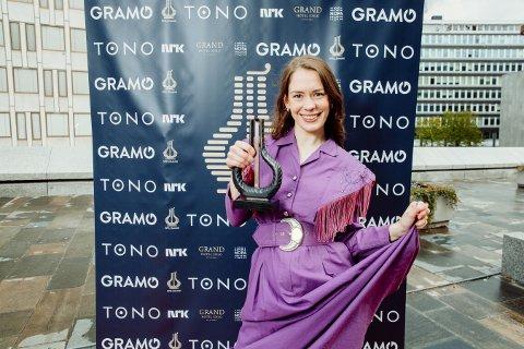 GLAD PRISVINNER: Anna Lotterud fra Gjøvik fikk årets Spellemanns-pris for årets beste musikkvideo.