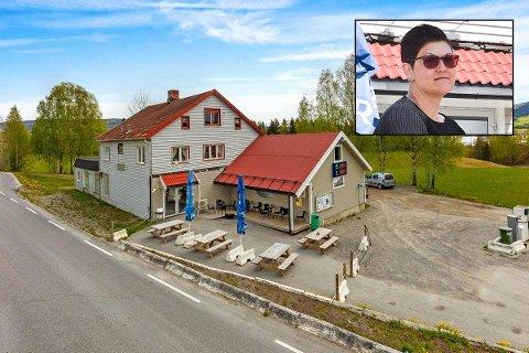 SELGER: Monica Haugerud Gjefsen selger næringseiendommen i Bjoneroa.