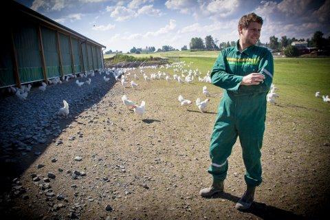 HELDIG: Magnus Bjerkeengen var heldig. Han fikk levert økologisk kraftfôr før helga og er dermed ikke i umiddelbart krise.