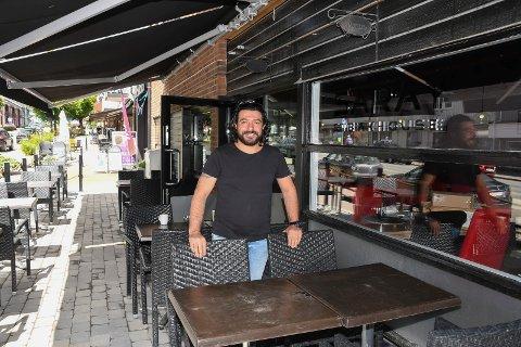 Endelig åpning: Mehmet Gunes er mannen som skal drive Saray Steak House i Moelv. Fredag åpner han dørene.