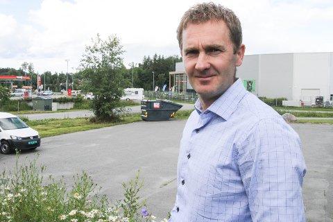 STOPP I PLANENE: Thomas Hovda vil bygge energistasjon på Kallerud. Gjøvik kommune mener at det ikke er innenfor reguleingsplanen. Nå skal saken behandles på nytt i utvalg for samfunnsutvikling.