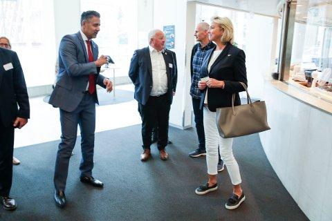 Kulturminister Abid Raja (V) hadde ikke noen oppløftende beskjed å gi idrettspresident Berit Kjøll på mandagens møte.