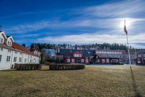 MÅ TÅLE KRITIKK: Hadeland Glassverk får gjennomgå i en større reportasje i bladet Kapital.