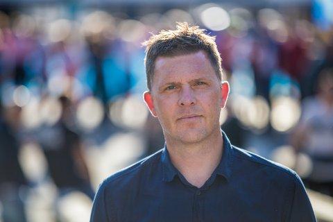 TRAFIKKDØDEN: Dødsulykkene som har krevd tre unge liv har gjort inntrykk på David Tofthagen i Trygg Trafikk. Han registrerer at andelen unge trafikkdrepte har økt så langt i år.